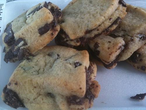 Galletas de chocolate hechas por los Amish, im-pre-sio-nan-tes. ¡Qué generosos con el chocolate!