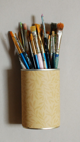 Wallpaper pen tin cans