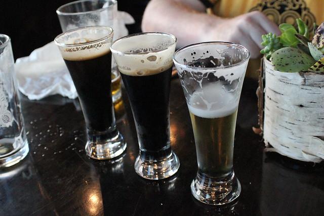 6203274794 2e61639a53 z Beer Bar   Neighborhood