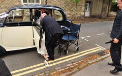 losing a shoe (Margaret Stranks) Tags: uk wedding car shoe bride saturday oxford daimler headington 2011 9thjuly oldhighstreet headingtonbaptistchurch