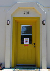 Keep Out (Texas to Mexico) Tags: door signs yellow sanantonio puerta bright entryway entrada bewareofdog 201 keepout photochallenge comeonin letterk mondayphotogroup