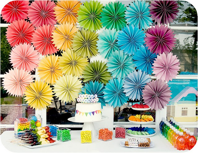 rainbow-birthday-party-table-cake