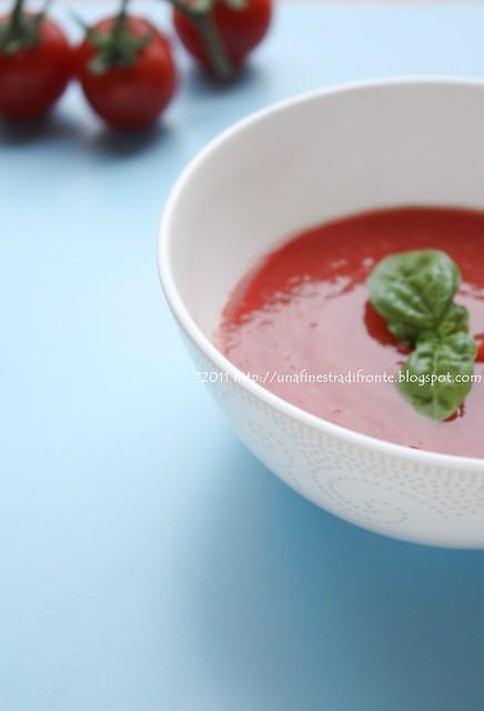 Zuppetta fredda di pomodorini confit