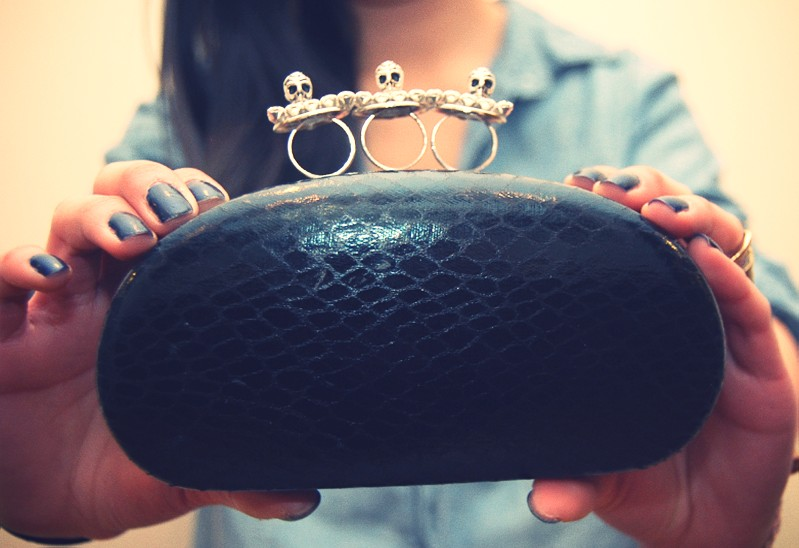 DIY- Knuckle Duster Eyeglass Case Clutch by Studs And Peals 2.png_effected