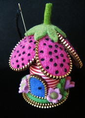 My little striped spool flower pincushion (woolly  fabulous) Tags: flowers wool wooden recycled felt zipper pincushion spool