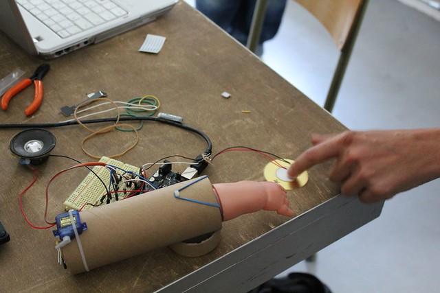 Atelier Arduino (iMAL.org)