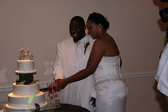RBH Cake Cutting (elitedesignsbydaphne) Tags: brown ivory bamboo zen bouquet bridal callalily boutonniere chocolatecallalily