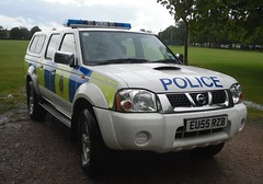 Essex Police / Nissan Navara / Rural Response Vehicle / CR32 / EU55 RZB (Chris' 999 Pics) Tags: old uk light england woman man film station rural speed bill pc bars pix order fuji nissan cops united nick fine blues police samsung kingdom cop finepix copper vehicle and leds fujifilm service law enforcement breakers emergency 112 essex coppers arrest policeman response 999 constable 991 twos strobes policing navara lightbars cr32 rotators vluu pl81 sl630 pl80 esspol s2750hd eu55rzb