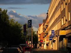 Guess where Hamburg (farbgeistfee) Tags: street sunset germany sonnenuntergang hamburg bode blauestunde abendlicht budni guessedhamburg guessedbykarschti