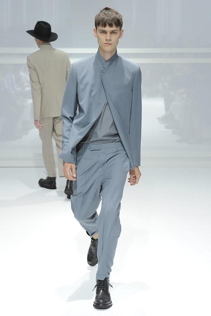 Douglas Neitzke3341_SS12 Paris Dior Homme(VOGUEcom)