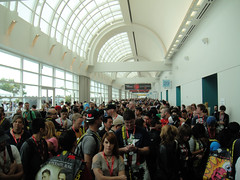 San Diego Comic-Con 2011 - crowds line up for the Exhibition Hall