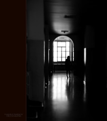 ... - ombre-  fra la luce e il buio ...  (swaily  Claudio Parente) Tags: black nikon bn biancoenero d300 platinumheartaward nikond300 claudioparente swaily checchino bestcapturesaoi artistoftheyearlevel3