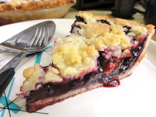 Blackberry cobbler pie