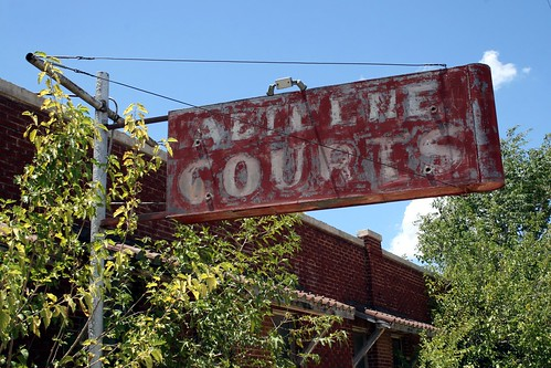 abilene courts neon sign