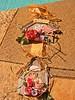 Casa de Passarinhos (El Bernardes) Tags: door flores blog country artesanato birdhouse craft ribbon reciclagem papercraft alteredart paperflowers reutilizar reciclar manualidades materiais aplique fitas ráfia papercrafting pátina reutilização reaproveitamento flowerscolors diecuts aplicaçao floresdepapel enfeitedeporta palitodesorvete arteiras fitasebotões apliquedepapel paperpunchs compapel papeltingido