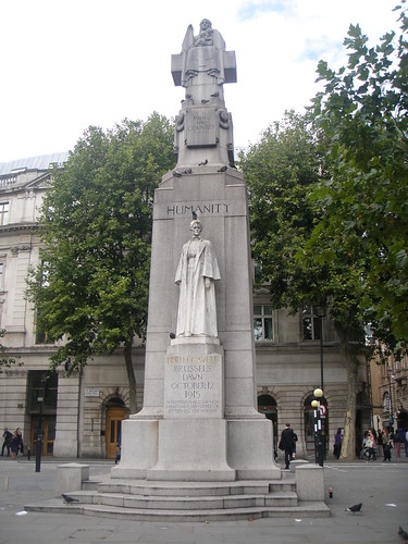 memorial to Edith Cavell
