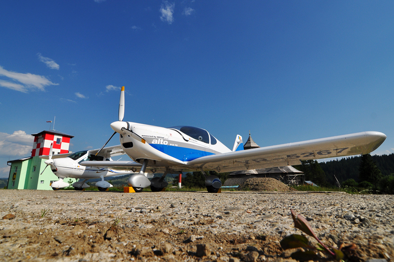 Suceava, Vatra Dornei - Aerodromul Floreni (LRFL) - Pagina 6 5919753018_8f1682d521_o