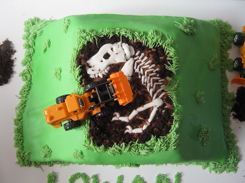Dinos and diggers by Cake Maniac