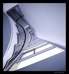 curve (sediama (break)) Tags: blue light white window architecture germany licht pentax fenster hannover treppe staircase architektur blau curve weiss trap staris kurve escaliers treppenhaus niedersachsen lowersaxony weis k20d sediama bigp9542