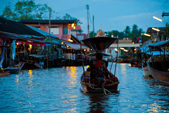 Amphawa Night Floating Market #1 (thai-on) Tags: people night river shopping thailand boat nikon market culture d3 samutsongkhram totallythailand