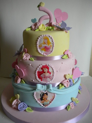 Torta Princesas by Pastelera Bakery Shop