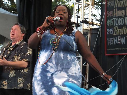 Thornetta Davis at Ottawa Bluesfest 2011