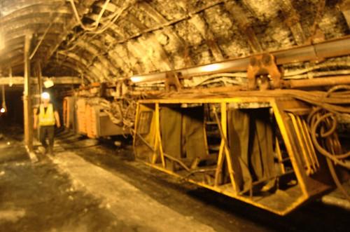 43 Stacja kolejki podziemnej / Underground rail station