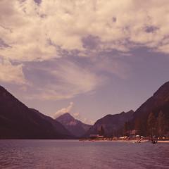 Summer! (2undsiebzig.de) Tags: sky cloud mountain lake water berg bayern bavaria see sommer grain himmel wolken berge baden bergsee plansee rauschen gewsser ammertal