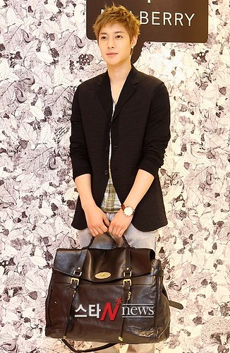 Kim Hyun Joong Mulberry Falls/Winter Presentations [110721] starnews02