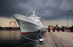 """That boat has been places.. ''The SS Rotterdam'' (Jimbography ;-)) Tags: panorama haven photoshop rotterdam stitched badweather weatherfront nonhdr 12shots ssrotterdam nikon35mm20"
