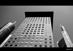 Ich fhl mich so klein (sake028) Tags: architecture germany blackwhite nikon hessen angle wide wideangle architektur weiss schwarz frankfurtammain bankenviertel ffm mainhattan d300 weitwinkel