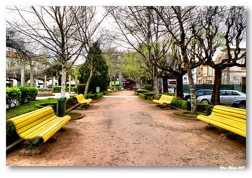 Yellow seats by VRfoto