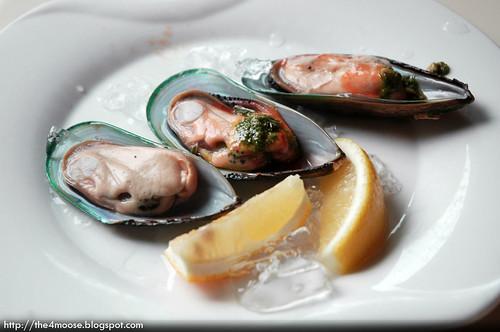 Triple Three - Mussels