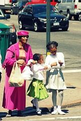 All dressed up (Travnet.) Tags: street nyc family people urban newyork us harlem familie straat mensen travnet dubbauphotography
