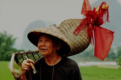 Chinese man (Vincent Gosman) Tags: china man fisherman minolta sony oldman visser wiseman oudeman