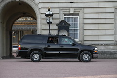 US Secret Service Chevrolet Suburban in Obama's Motorcade leaving Buckingham Palace (Ian Press Photography) Tags: from uk england usa london cars chevrolet car out during us day suburban secret president transport guard may police security visit palace american views gb service guards met emergency suv buckingham obama metropolitan escort services prez armed 999 motorcade barack 2011 seccret obamas