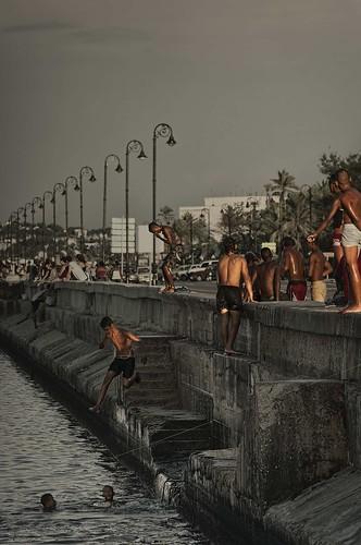 Que tal si nos llevamos el gato al agua.........Malecon, Cuba by Rey Cuba