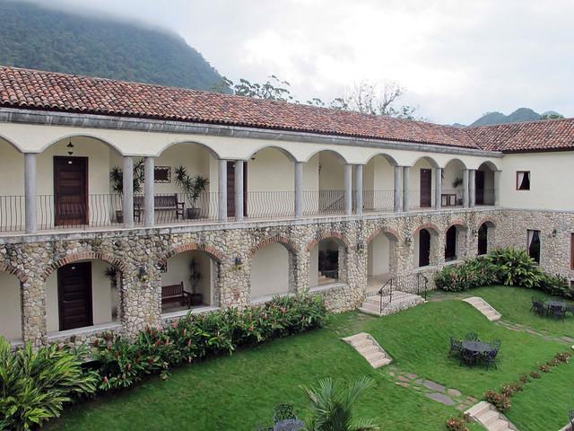 Los Mandarinos, Antón Valley, Panama