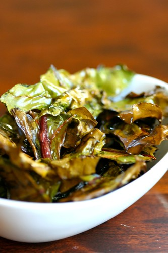 Beet green chips