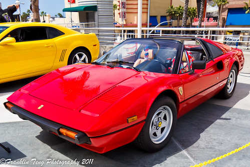 photo of Tom Selleck Ferrari - car