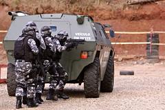 Gladiador (Rodrigo Félix Leal) Tags: curitiba pm segurança policiamilitar bope blindado