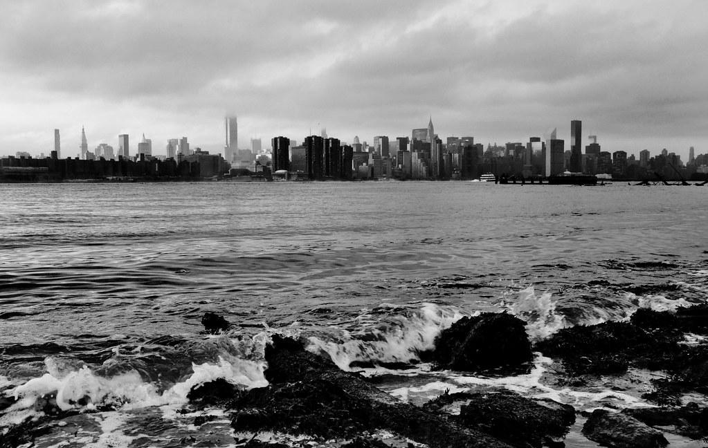 olas NY skyline BW
