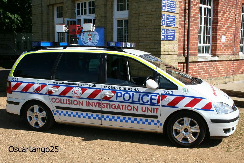 Hampshire Constabulary Ford Galaxy
