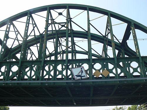 pont du train.jpg