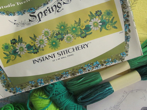 Spring Song Kit - Flower loom kit by Studio Twelve