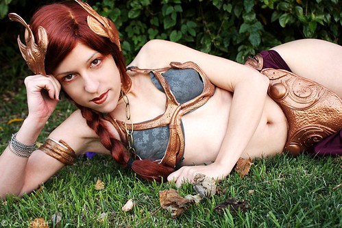 Traditional Slave Leia Pose