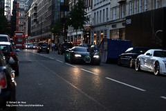 The Dark Knight (Richard de Heus) Tags: fab london sport design super mercedesbenz bugatti sls allblack amg combo veyron supersport blackedout sloanestreet eb164 gullstream