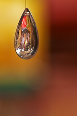 St Nicks in a Bubble (Simon Caplan) Tags: distortion reflection glass bristol dof market bokeh droplet colourful shallowdepthoffield stnicholasmarket stnicks bristoluk bristolengland dryreflection