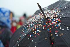 @ melt 2011 (Winfried Veil) Tags: leica party music black water rain festival umbrella 50mm drops colorful wasser dof rangefinder confetti depthoffield hood melt colourful musik summilux farbig schwarz regen bunt ferropolis wassertropfen tropfen m9 schärfentiefe regenschirm konfetti kapuze schirm farbenfroh 2011 cowl tiefenschärfe unschärfe gräfenhainichen meltfestival messsucher mobilew leicam9 winfriedveil