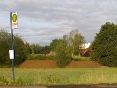 Holzen Mischwerk (erix!) Tags: clouds countryside meadow busstop soil bushes ef schwerte